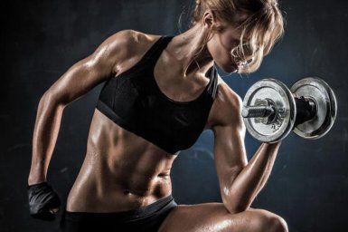 woman-with-weights